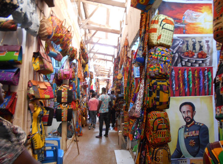 外語祭にてアフリカングッズ販売