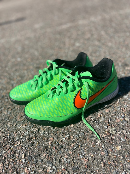 Nike putsad, 37.5