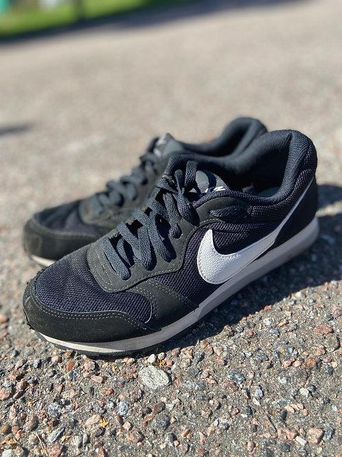 Nike vabaajajalats, 38