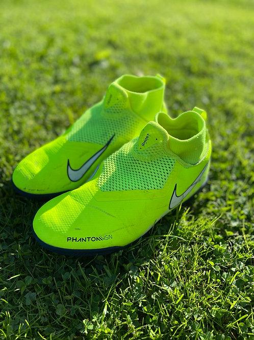 Nike saaliputsad, 36.5