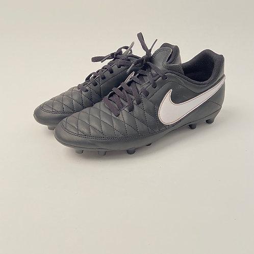 Nike kunstmuruputsad, 40.5