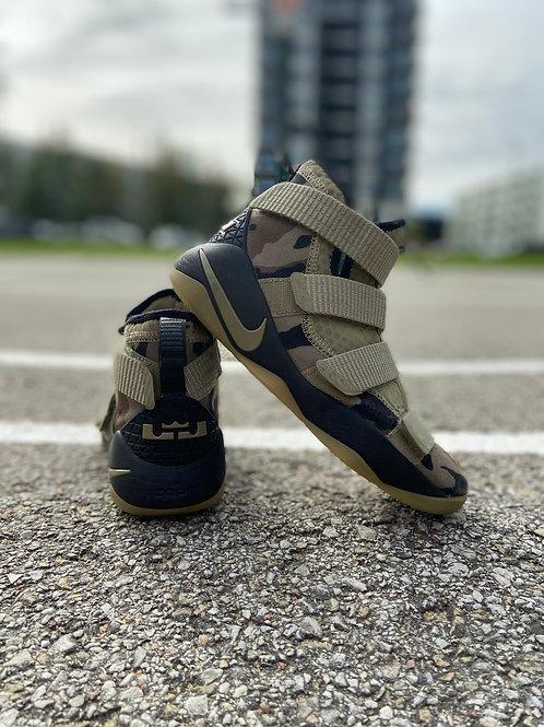 Nike Lebron Zoom Soldier kossutossud, 35.5