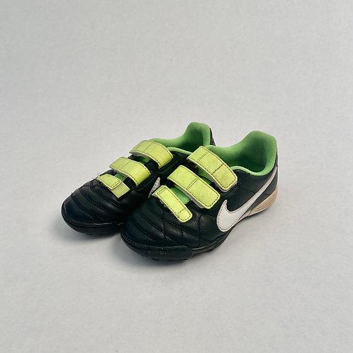 Nike kunstmuruputsad, 27
