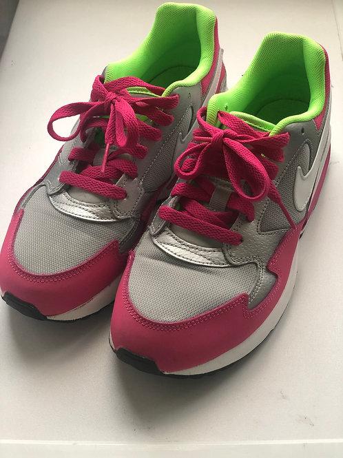 Nike vabaajajalatsid, 37.5