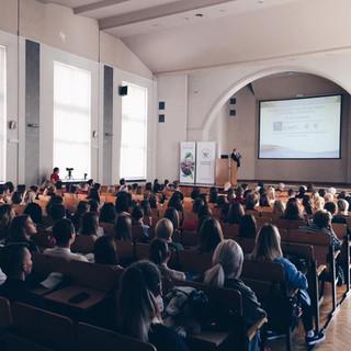 """""""Terapie genowe oparte na mRNA- nadzieje i wyzwania"""" - wykład na Uniwersytecie Szczecińskim"""