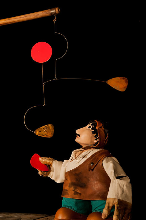Le nez en l'air...Monsieur Calder