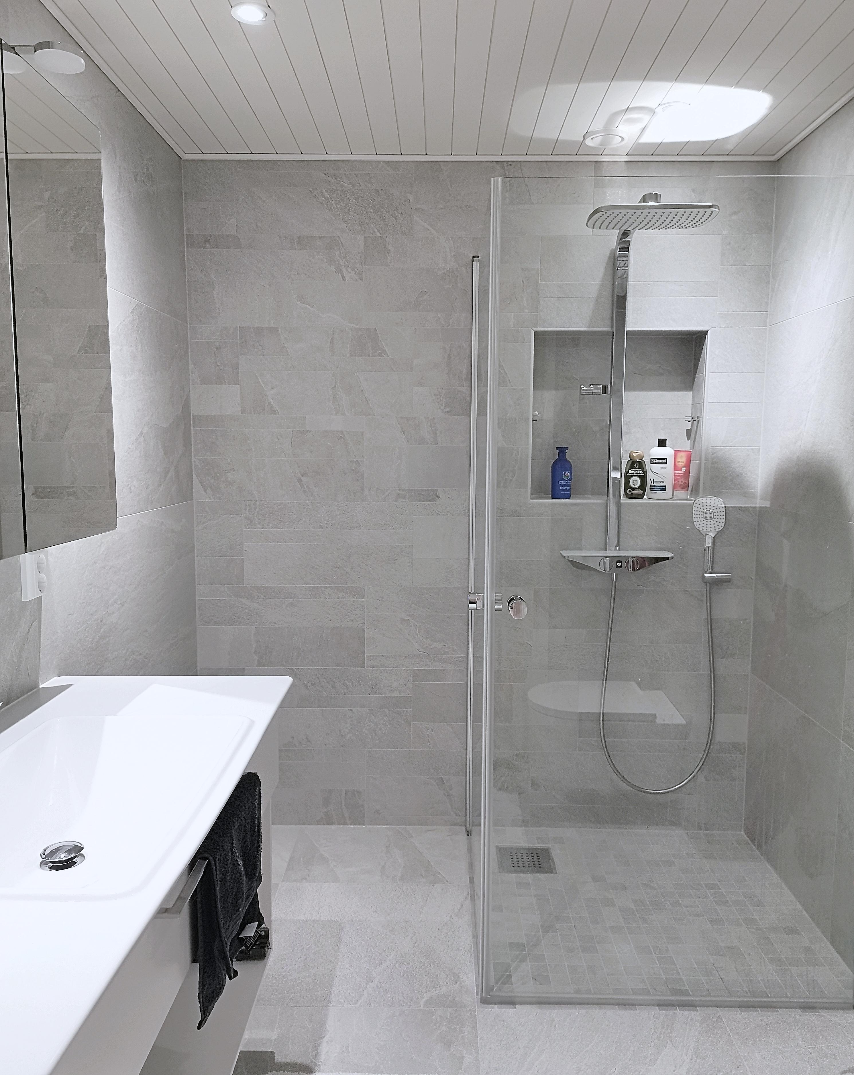 Päämakuuhuoneen kylpyhuoneremontti
