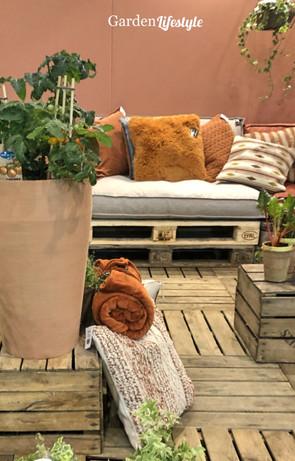 Rivin_Garden_lifestyle_terrakotta_ruukku