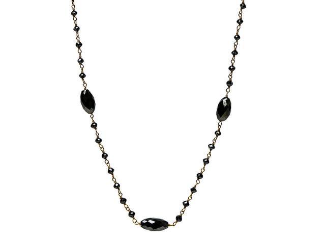 Black Round Diamonds & Scattered Oval Diamonds