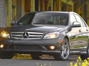 Mid-Sized Luxury In a Mercedes C-350