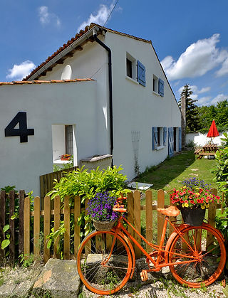 gite, bicycle, garden, blue sky