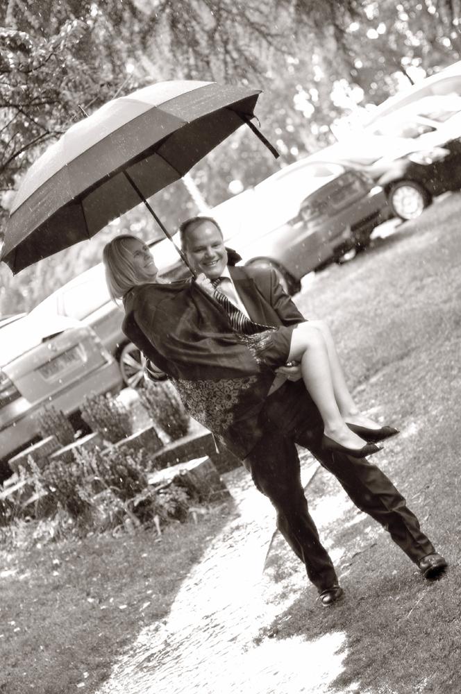Rain, wedding, Mere Court