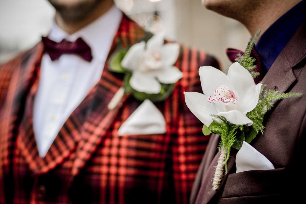 Grooms, buttonholes, suits