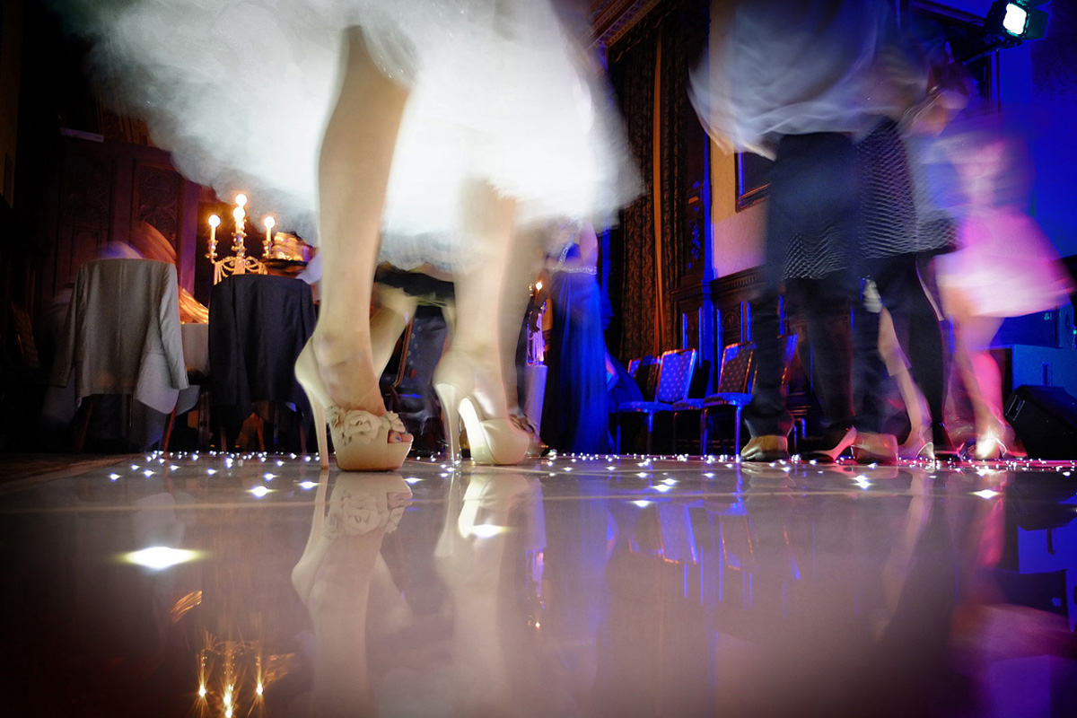 Bride, shoes, first dance