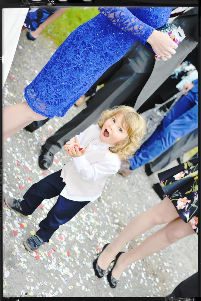 Confetti, page-boy, wedding