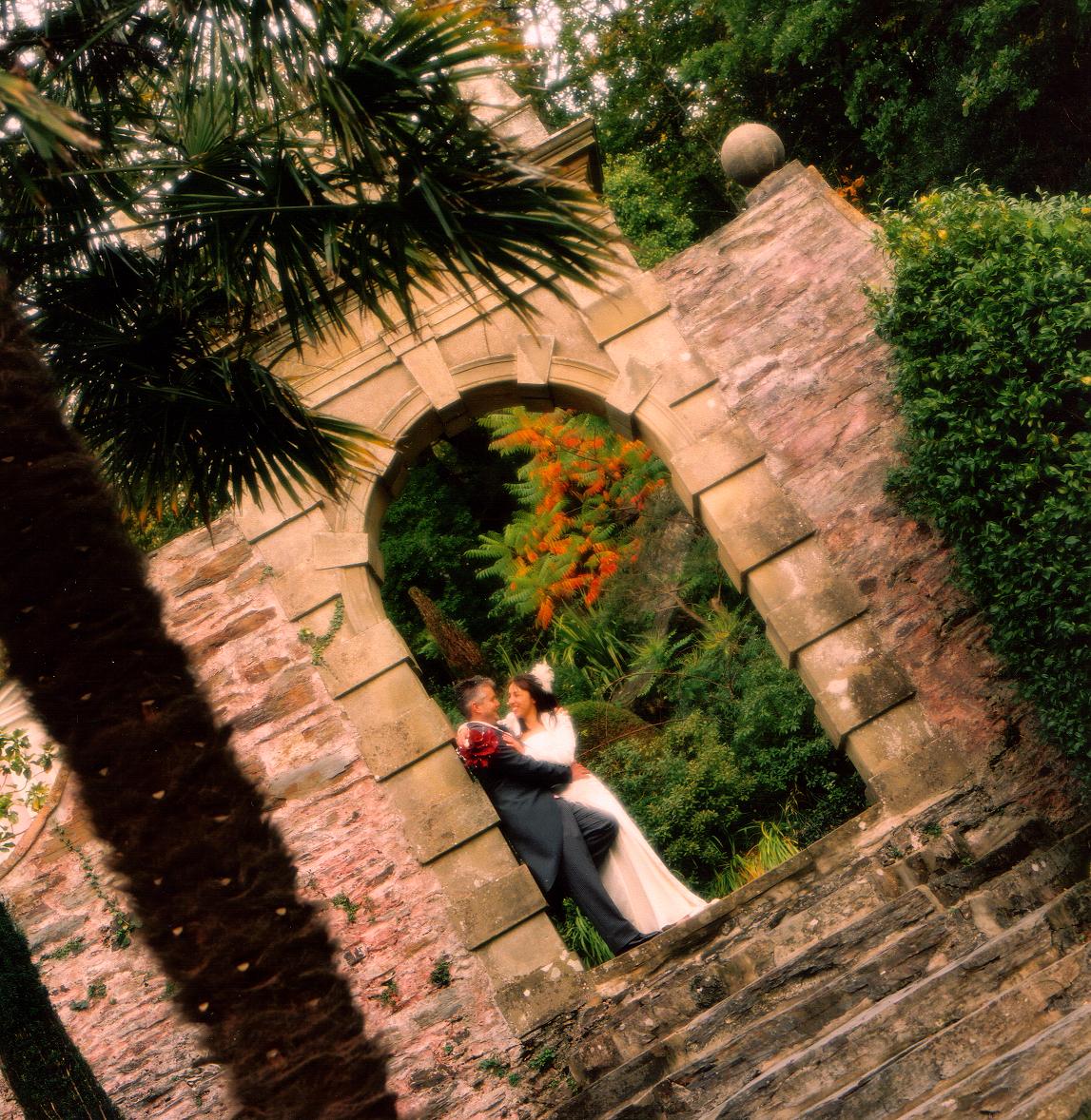 Arch, bride, groom, Portmerion