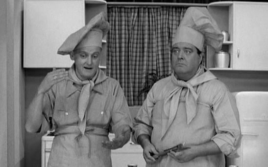 men-baking-apron