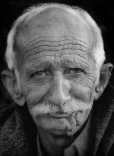 Old-man-black-white