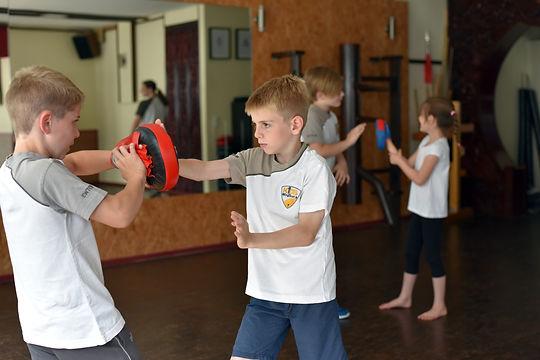 Beweglichkeit Fitness Kinder 2.jpg