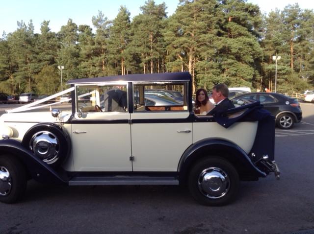 linara classic wedding cars at pine ridge in camberley