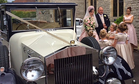 Wedding Car Hire Hampshire, Berkshire, Surrey, Linara