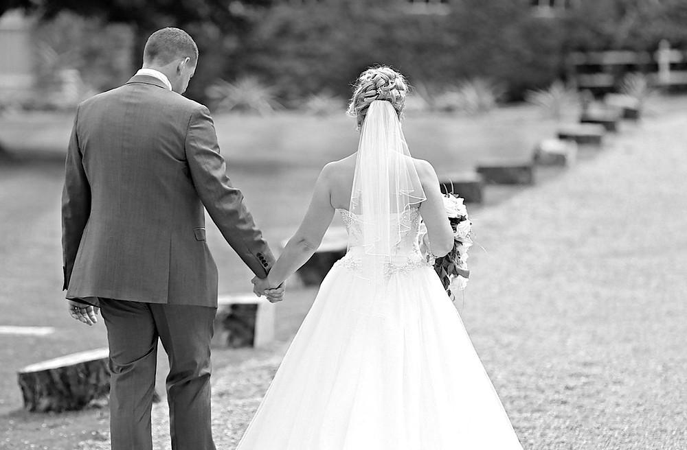 wedding couple walking in berkshire