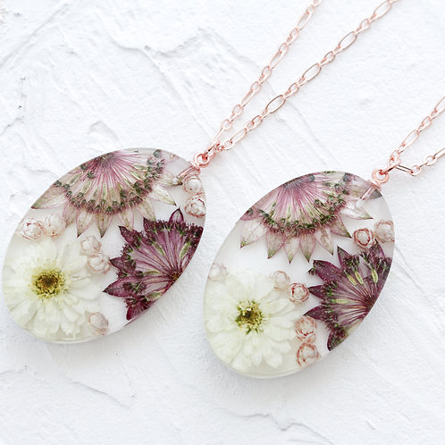 Lg oval  flower necklace