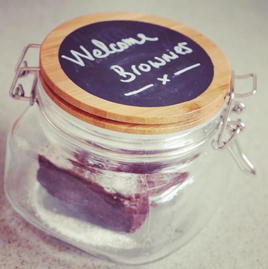 Welcome homemade Brownies 😋☕️🥮🇬🇧 . .