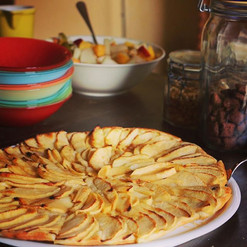 Apple tart by @swissguesthousesitters at