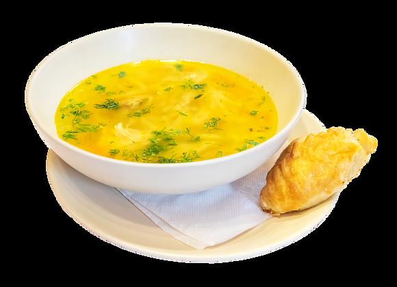 Куриная суп-лапша с мясным расстегаем