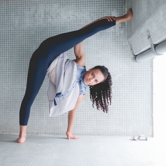 flexible girl dancer strong legs pose