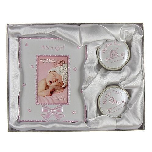 Its a girl, My first tooth and curl gift set