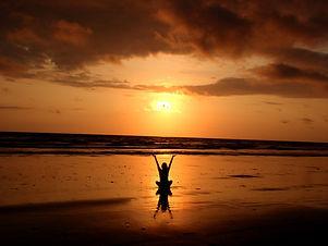 beach-1221063_1920.jpg