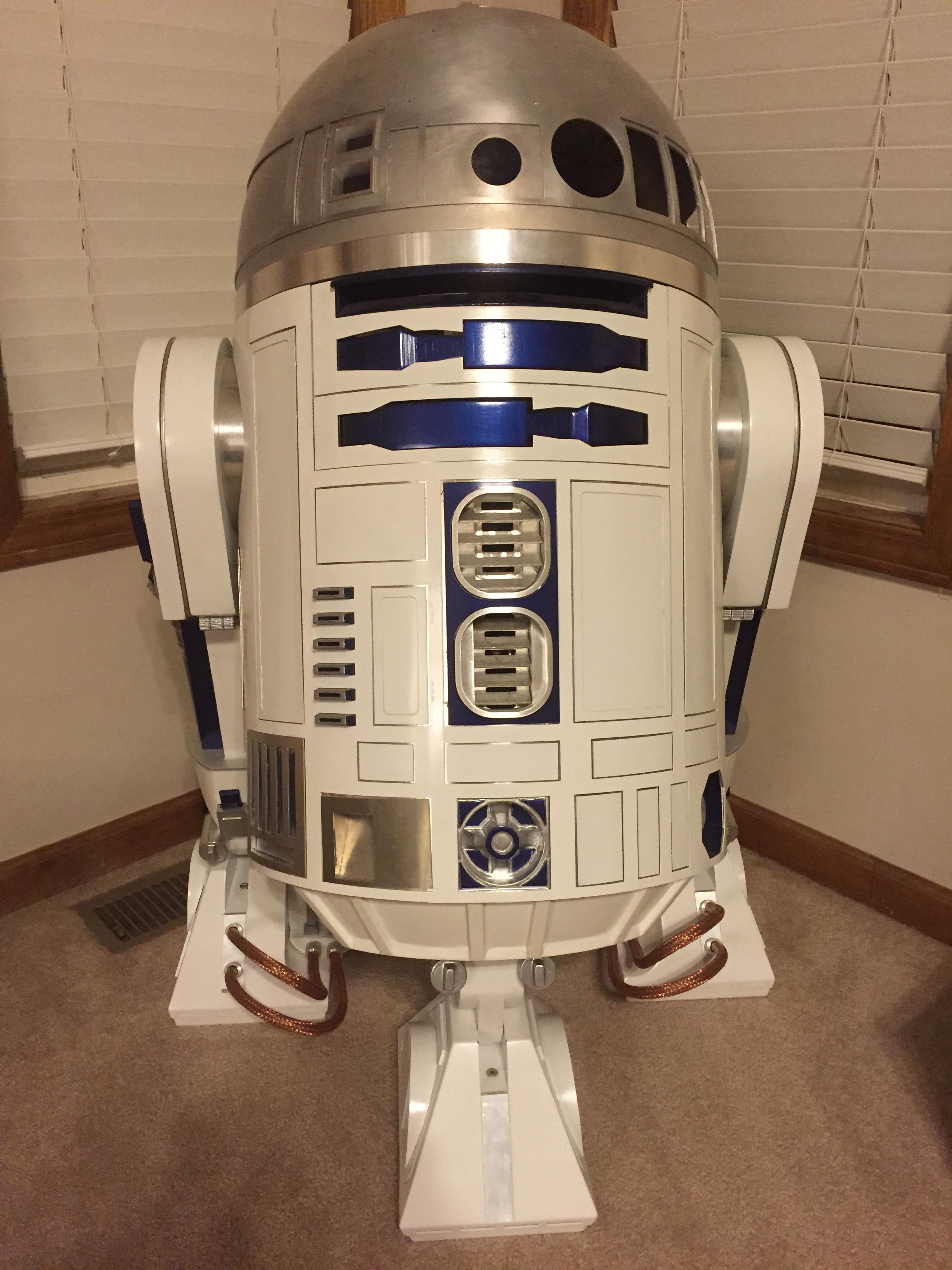 Roy's R2-D2