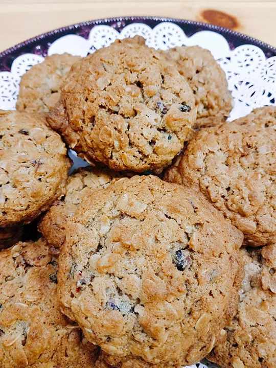 Craisin-Walnut Oatmeal Cookies