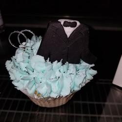 Groom's cupcake