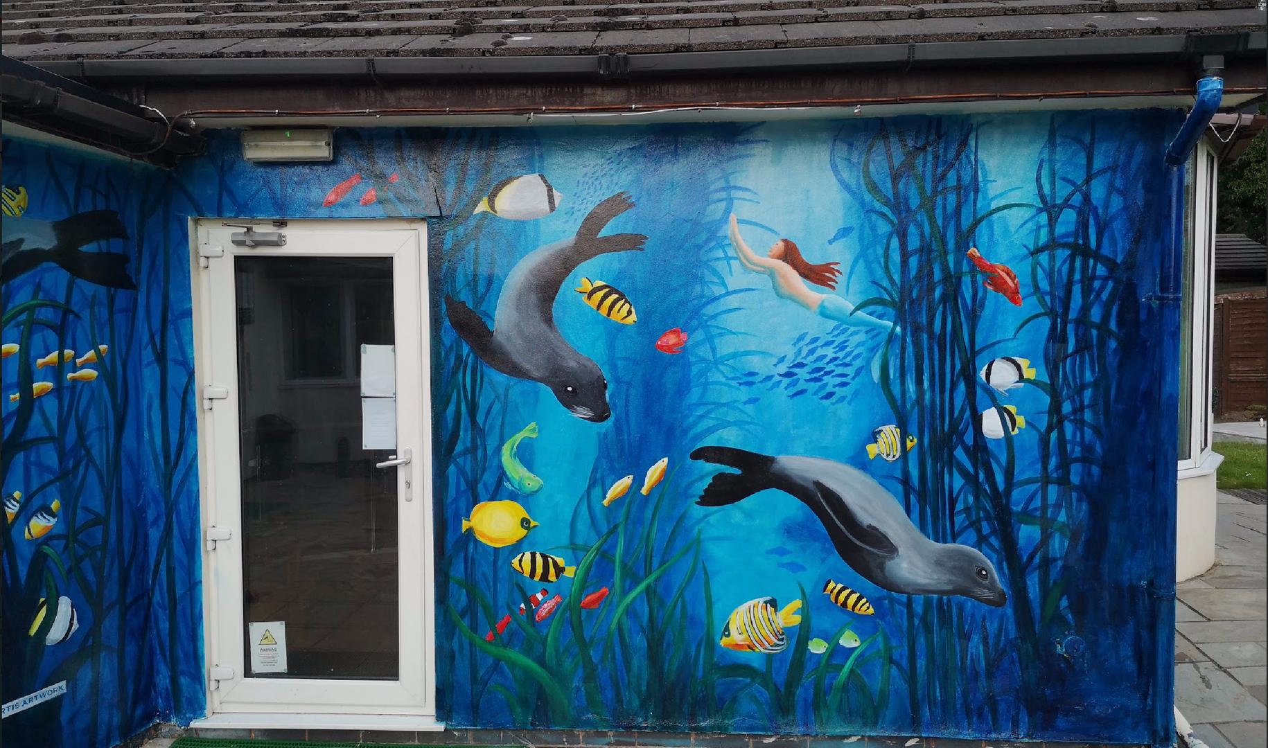 seal mural, Liverpool, Thornton Hall, Pa