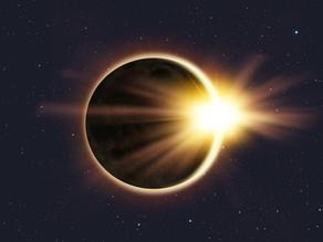 Una Danza de Tres: hacia el Eclipse de Sol del 14 de diciembre