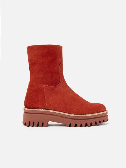 Paloma Barcelo rust boots