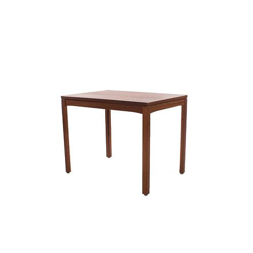 Petitie teak table