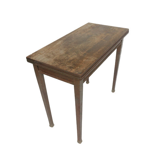 Lovely Jugend extendable table in solid oak from Sweden 1920s
