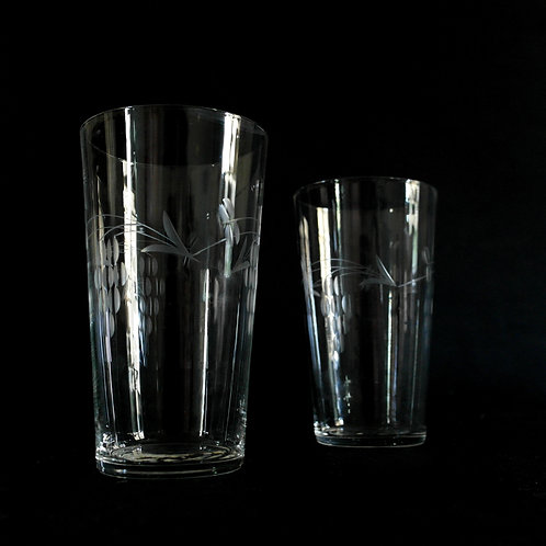 Antique crystal glasses set of two with stunning engravings from Sweden