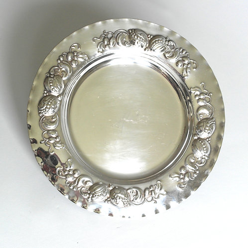 Antique round plate/tray with lovely embossed pattern from Sweden early 1900s