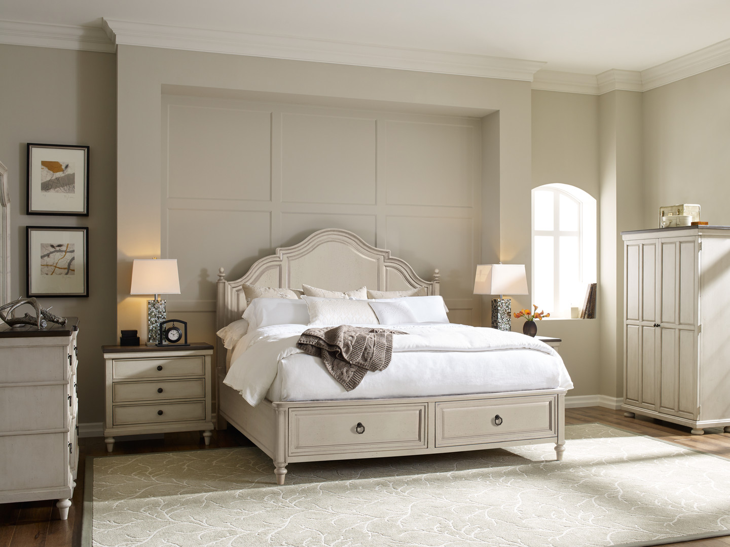Panel Bed with Storage in Vintage Linen