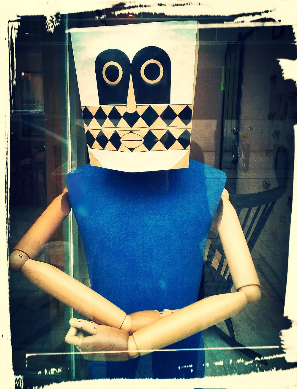 Masque 1 peint pour Besicles opticien par Nathalie Guesdon