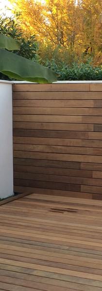 Le bois du sol au mur
