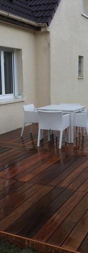 Une terrasse en IPE avec pose à bâton rompus