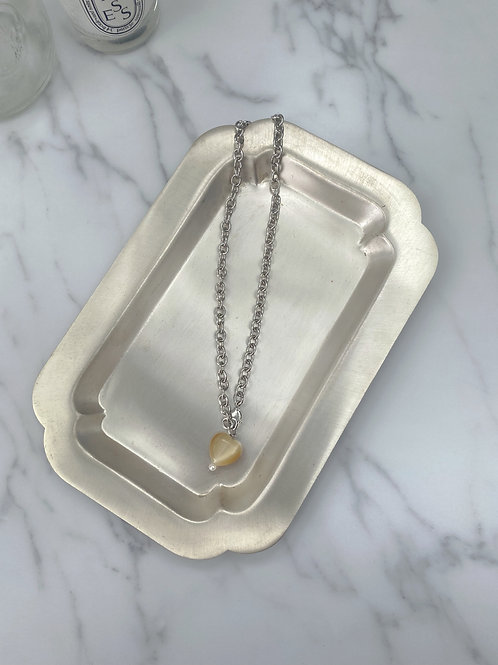 Glass heart chain necklace