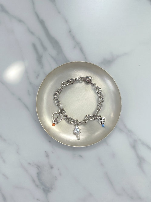 NO2. Perl heart (chain bracelet)