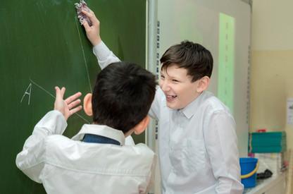 Фотограф в классе для начальной школы
